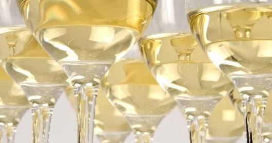 """La Puglia è servita"" (19th edition) and ""VinidiPuglia"": the best facilities and wineries in 2015 have been awarded"