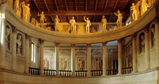 """Lambrusco a Palazzo"" is back"