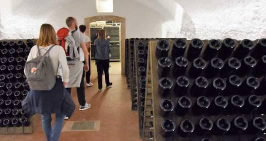 Strada del Vino e dei Sapori del Trentino toasts with A tutto bubbles