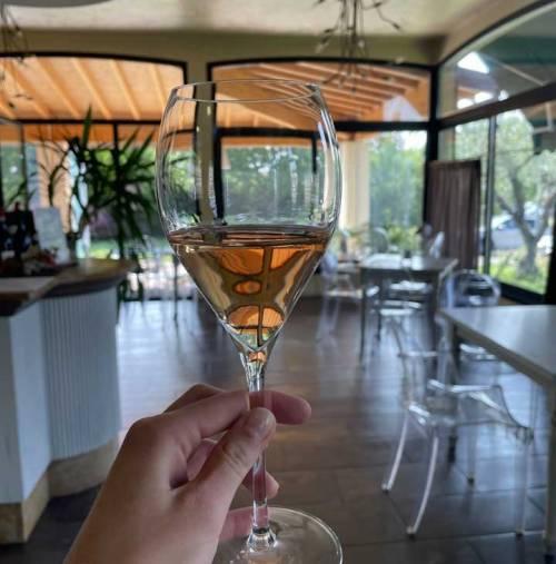 Cantine di Franciacorta extraordinary non-stop tastings of 30 Franciacorta Rosé (and more).